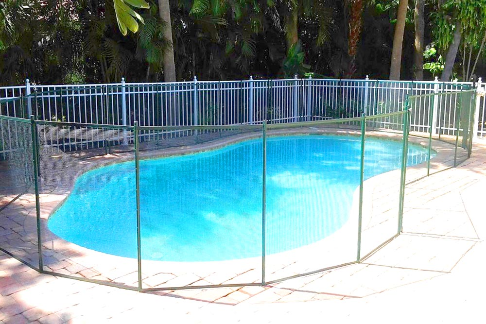 Green Swimming Pool Fences - Baby Guard Pool Fence